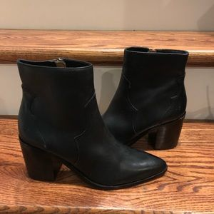 Frye women's near mates boots 7/7.5 new
